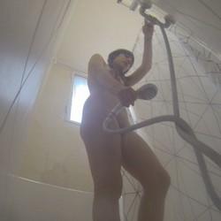 Pillamos con una cámara oculta en la ducha a claudia. ¡¡¡ QUE CUERPAZO !!!