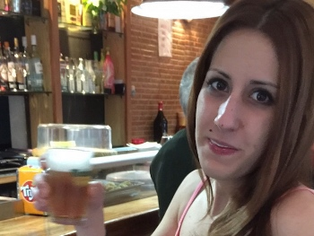 PASADA DE VIDEO. Estudiante gallega quiere que la follen dos desconocidos